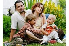 Минздрав: Украинские женщины должны рожать по трое детей